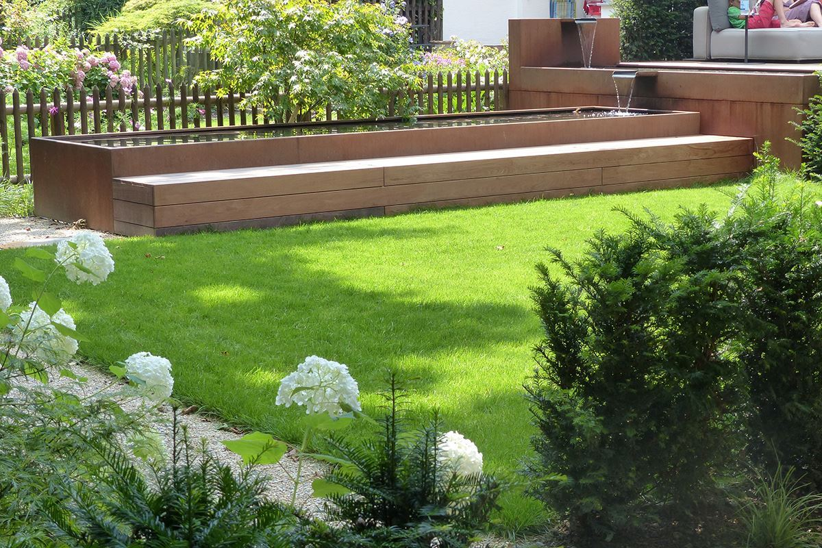 Brunnen Spezial in Stahl roh - Conma Gartendesign